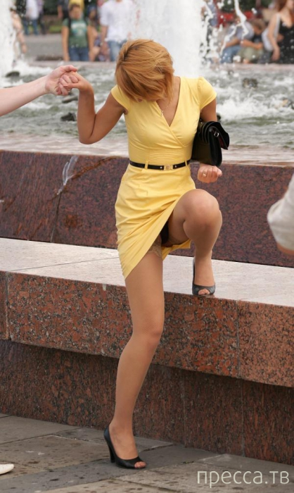 """Прикольные случайные """"засветы"""" девушек (34 фото)"""