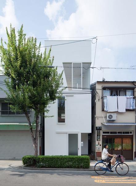 Креативный японский домик, занимающий 40 квадратных метров (8 фото)