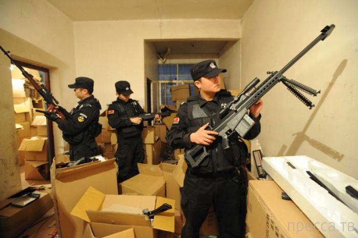 Большой улов китайских полицейских (6 фото)