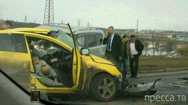 """Жесть!!! Погибли два человека... Лобовое столкновение автомобилей """"Мазда"""" и """"Ниссан Патрол""""  на ул. Набережная, г. Магадан"""