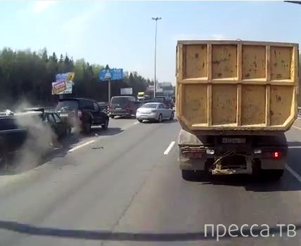 Дачники дистанцию не соблюдают... ДТП на Киевском шоссе, г. Москва