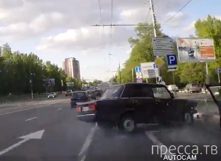 Таксист решил отомстить... ДТП на Севастопольском проспекте, г. Москва