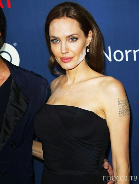 Что произошло с лицом Анджелины Джоли? (5 фото)