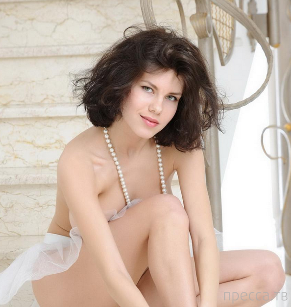 Сисястая балерина (11 фото)