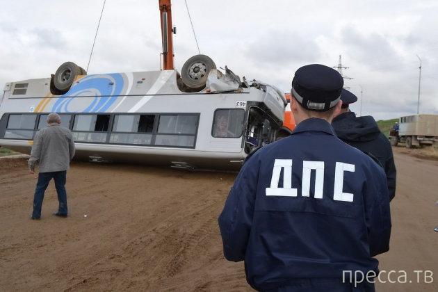 """Автобус """"Daewoo"""", от удара """"Mitsubishi Libero"""", перевернулся... ДТП  недалеко от Краснокаменска, Читинская область"""