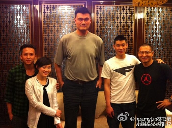 Яо Мин - самый высокий баскетболист в мире (47 фото)
