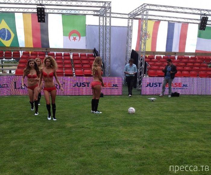 Чемпионат мира по футболу в нижнем белье (24 фото)