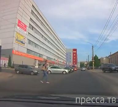 Пешехода не пропустил, дорогу не уступил... ДТП на ул. Текстильщиков, г. Воронеж