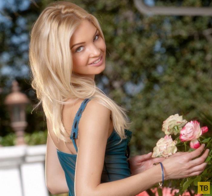 Худенькая симпатичная блондинка с маленькими сисями (11 фото)