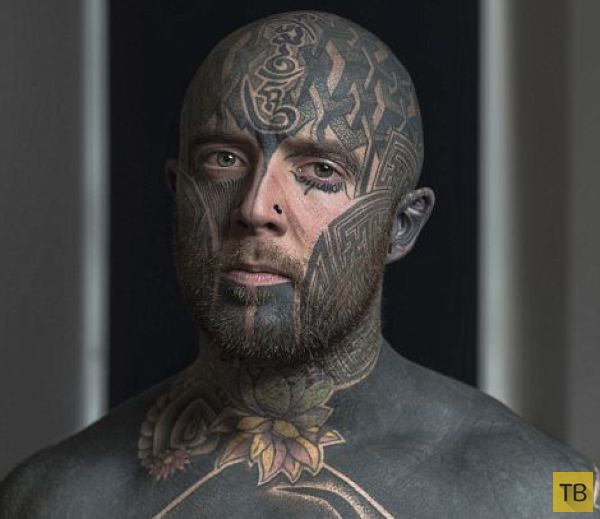 """Люди с татуировками на лице в серии """"Tattoos"""" от британского фотографа Марка Ливера (13 фото)"""