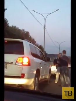 Пьяный пассажир устроил разборки в дорожной пробке... ДТП в Московской области