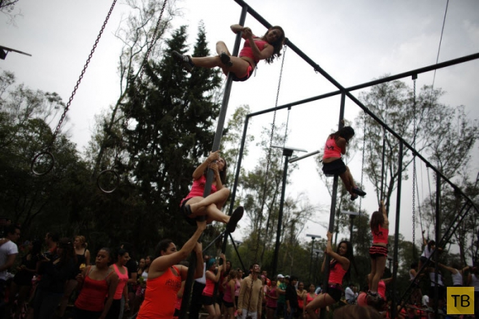 Городские танцы в Мексике (9 фото)