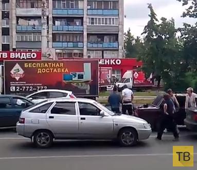 Драка на дороге... ДТП на Ленинском проспекте, г. Воронеж