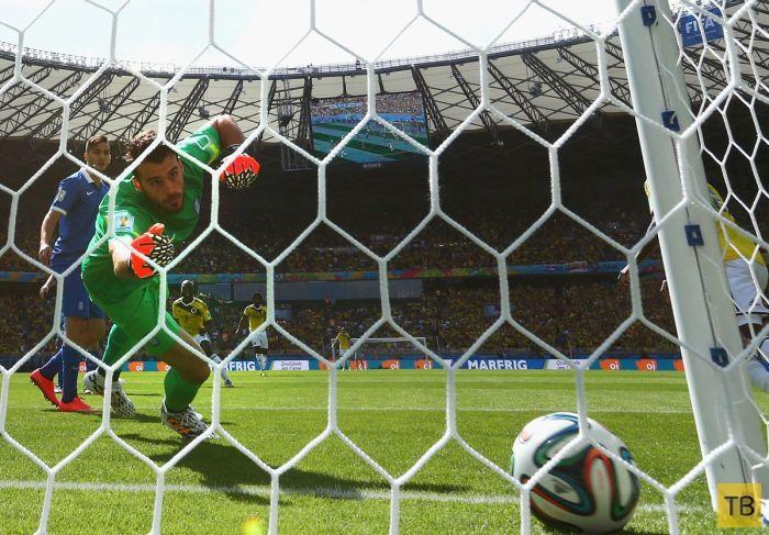 Самые яркие снимки с Чемпионата Мира по футболу 2014 (25 фото)