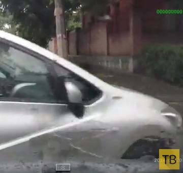 """Женщина на """"Toyota"""" пыталась проскочить на красный свет... ДТП в г. Херсон"""