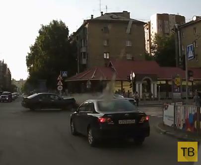 """Жесть!!! Один человек погиб, четверо госпитализированы... Водитель """"Мерседеса хотел проскочить на красный свет. ДТП в г. Новосибирск"""