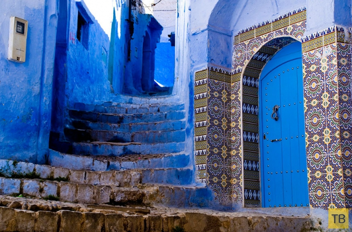 Прогулка по синему городу Шефшауен в Морокко (18 фото)
