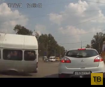 Столкновение с маршруткой на красный свет... ДТП на пересечении улиц Нефтезаводская-Энтузиастов, г. Омск