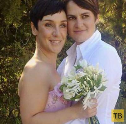 Мать троих детей расторгла 15-летний брак ради няни-лесбиянки (4 фото)