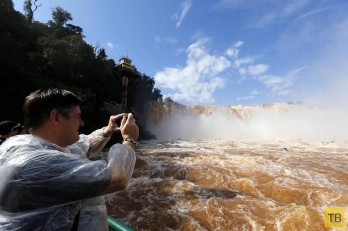 Знаменитые водопады Игуасу (12 фото)