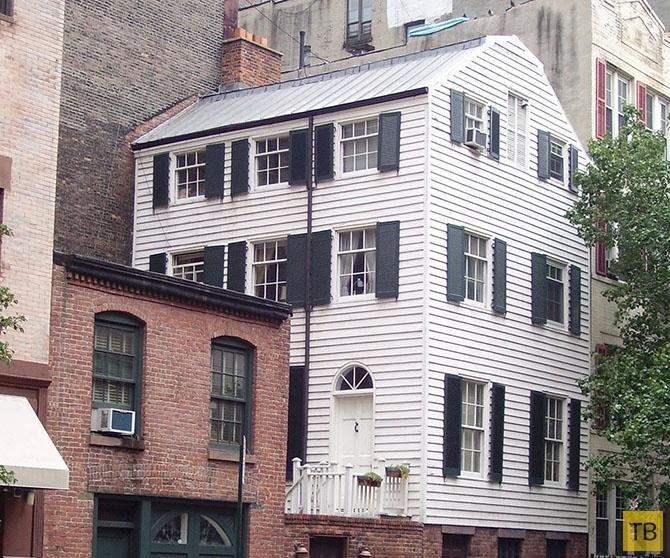 Топ 10: Здания и другие объекты, оказавшиеся в совершенно неподходящих местах (18 фото)