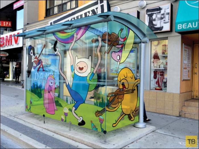 Автобусная остановка в Торонто (4 фото)