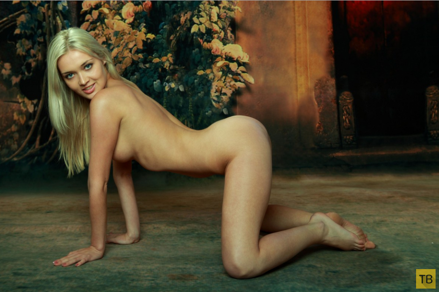 Худенькая блондинка с красивыми сисями (15 фото)