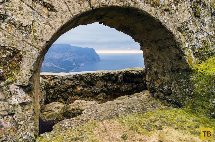 Инжир - прекрасное место для отдыха в Крыму (11 фото)