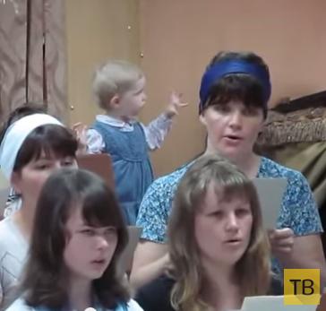 Прикольный боянчик: Маленькая девочка дирижирует хором