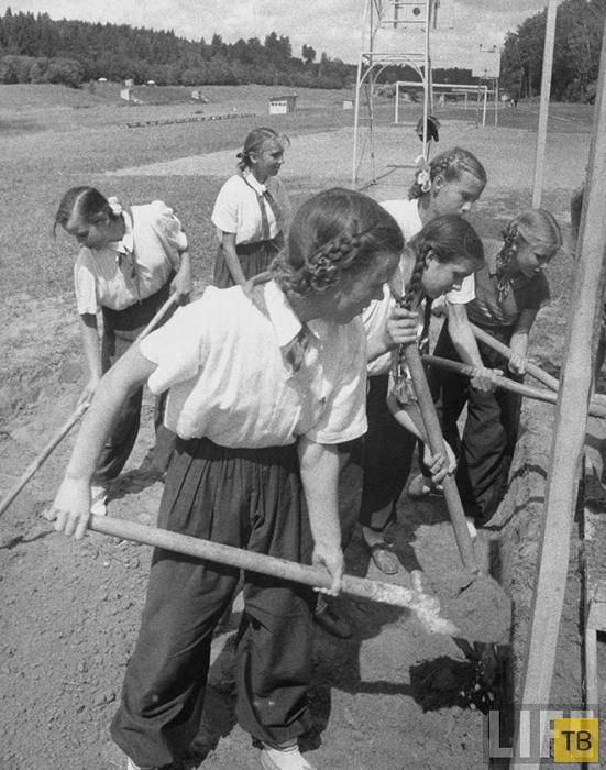 Москвички в 1956 году (53 фото)