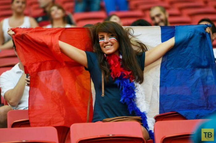 Симпатичные болельщицы футбола со всего мира (65 фото)