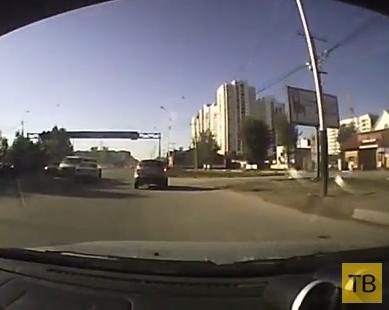"""""""Гонщик"""" не проскочил... ДТП в г. Хабаровск"""