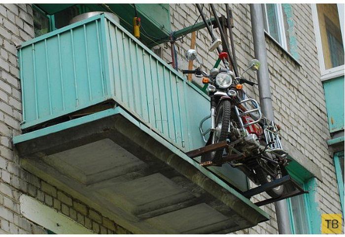 Парковка для мотоцикла на третьем этаже (5 фото)