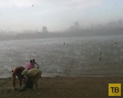 Пляж с отдыхающими накрыл крупный град... Внезапный ураган в Новосибирске 12.07.2014