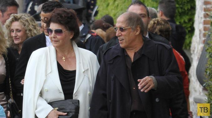 Адриано Челентано и Клаудия Мори выпустили книгу в честь золотой свадьбы (4 фото)