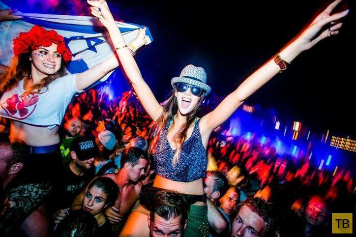 Девушки с музыкального фестиваля Tomorrowland 2014 в Бельгии (44 фото)