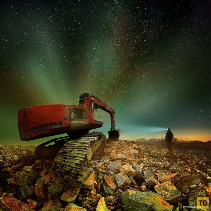 Словацкий фотограф Питер Мажкут (Peter Majkut) представил темный мир машин (20 фото)