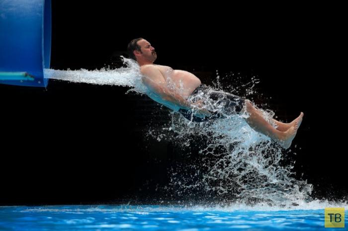 Высокоскоростная фотосъёмка в аквапарке (15 фото)