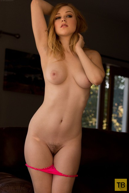 Красивая девушка с большой грудью (14 фото)