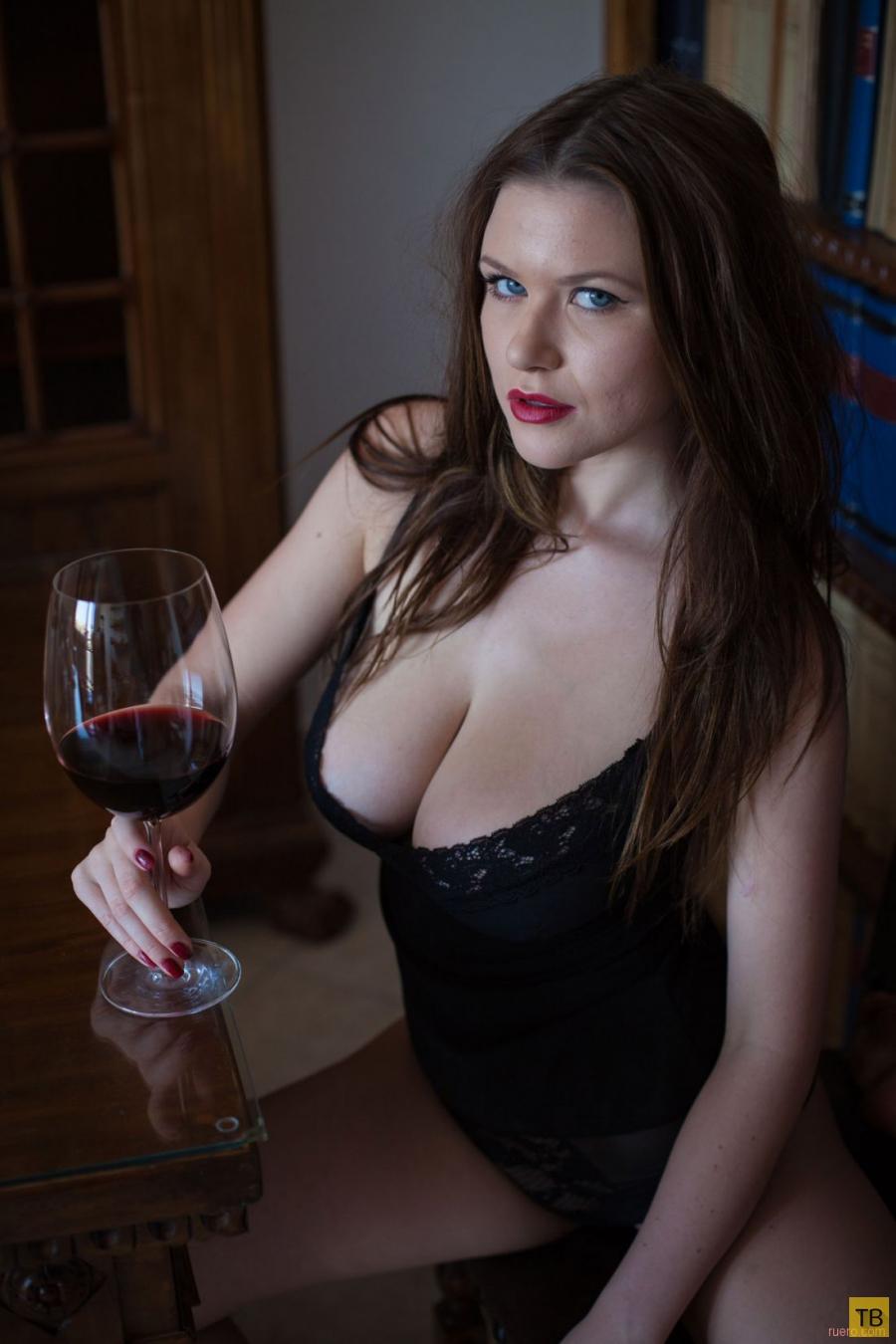 """Красивые и горячие девушки на """"Четверг"""", часть 14 (105 фото)"""