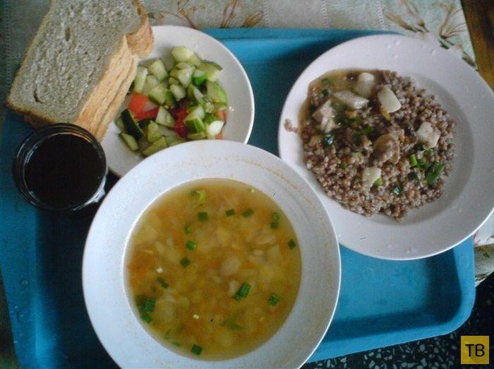 Чем в наши дни кормят российских солдат (4 фото)