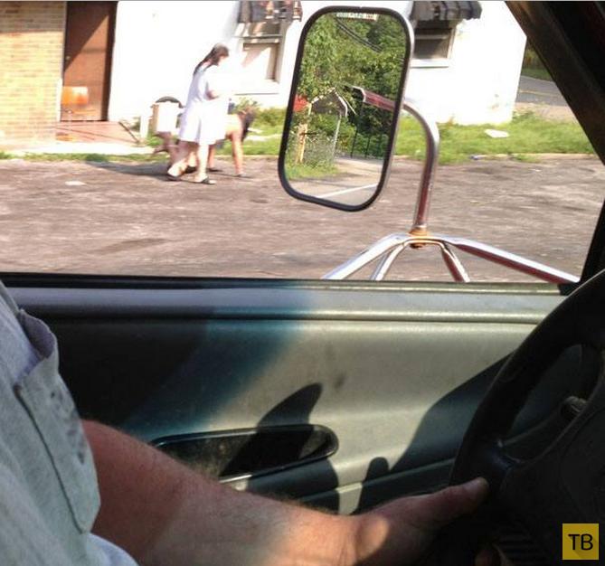 Американка выгуливала голого любовника на поводке (5 фото)