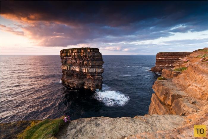 Скала Дан Брист у берегов Ирландии (7 фото)