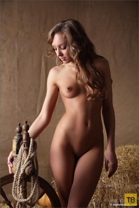 Деревенская красотка (14 фото)