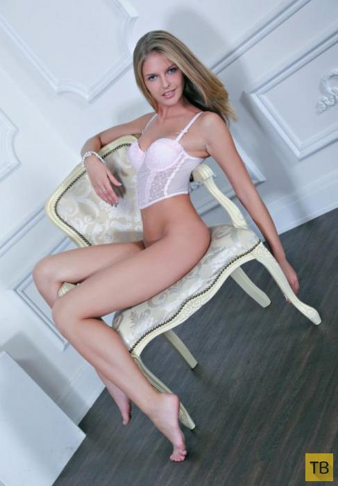 Очаровательная блондинка (11 фото)
