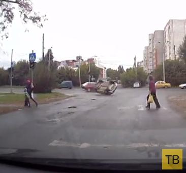Занос с переворотом... ДТП на ул. Декабристов, г. Пермь