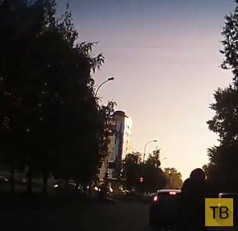 Мотоциклист пытался обогнать и упал...
