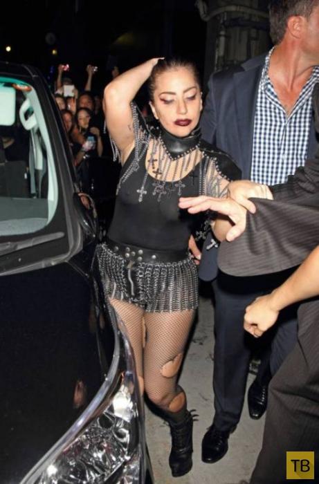 Эпатажная леди Гага в Японии (7 фото)