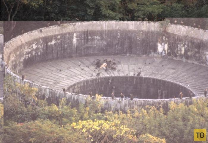 Башни Тишины - кладбища зороастрийцев под открытым небом (4 фото)