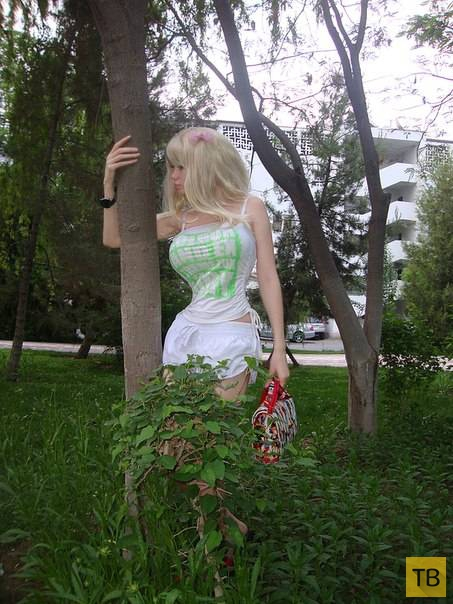 Лолита Ричи - еще одна живая Барби (14 фото)